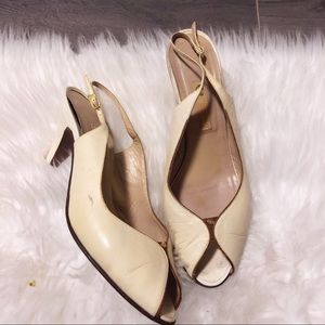 GUCCI cream leather open toe heels!
